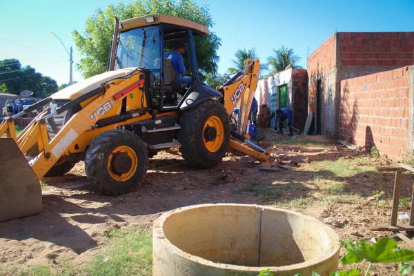 SAAE Oeiras já executou quase 700 metros de rede de esgotamento em  menos de 2 meses